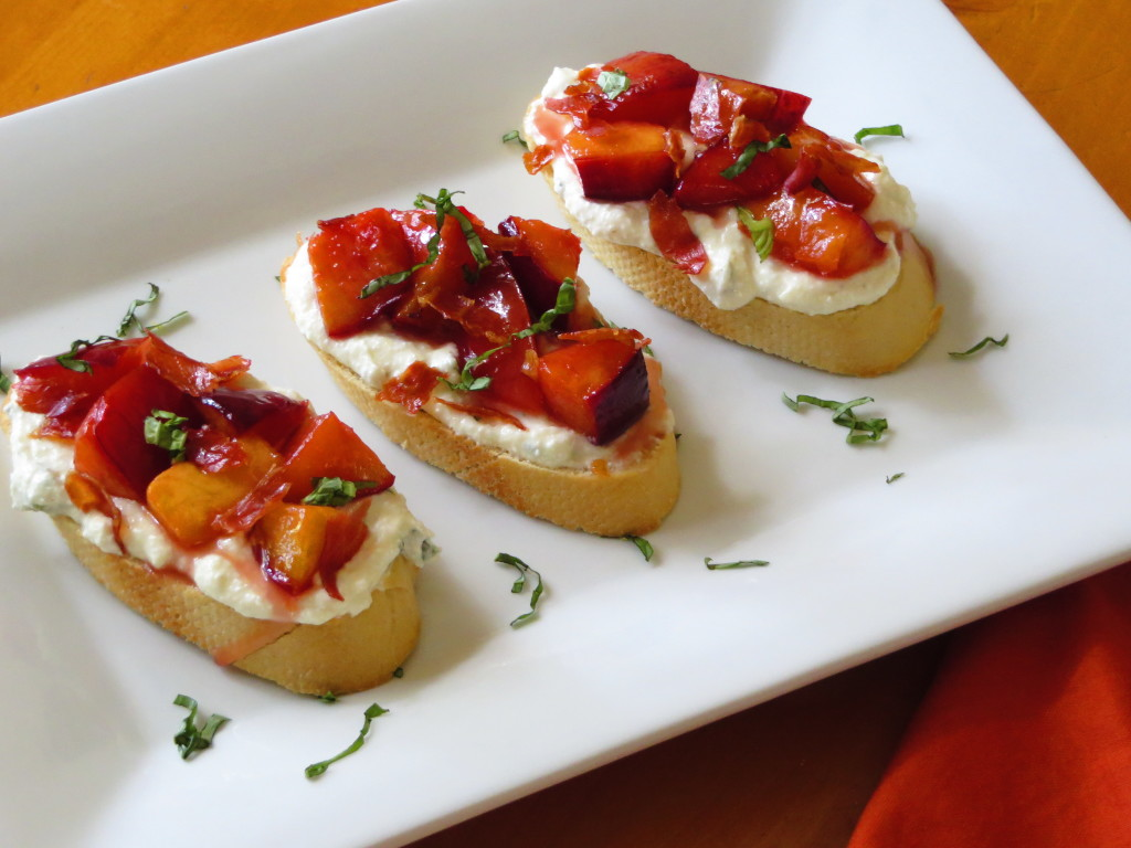roasted-nectarine-ricotta-crostini