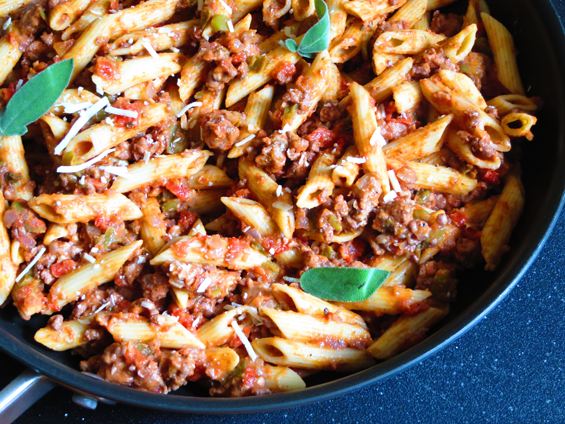 penne with creamy ground turkey tomato sauce | sunsets on the side