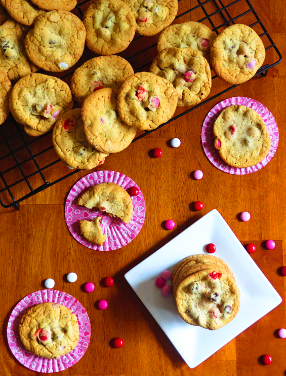 m&m chocolate chip valentine cookies | sunsets on the side